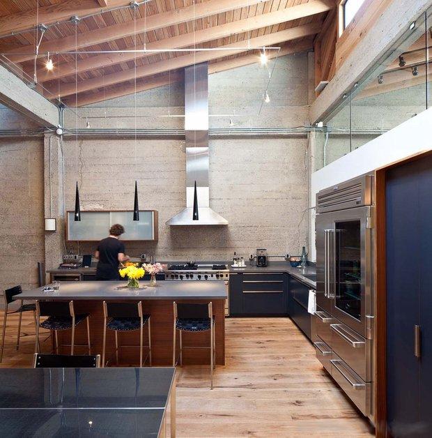 Фотография: Кухня и столовая в стиле Современный, Лофт, Квартира, Дома и квартиры, Проект недели, Футуризм, Потолок – фото на INMYROOM
