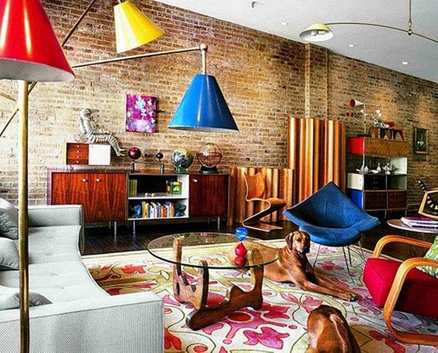 Фотография: Гостиная в стиле Лофт, Эклектика, Декор интерьера, Декор дома, Цвет в интерьере, Геометрия в интерьере – фото на INMYROOM