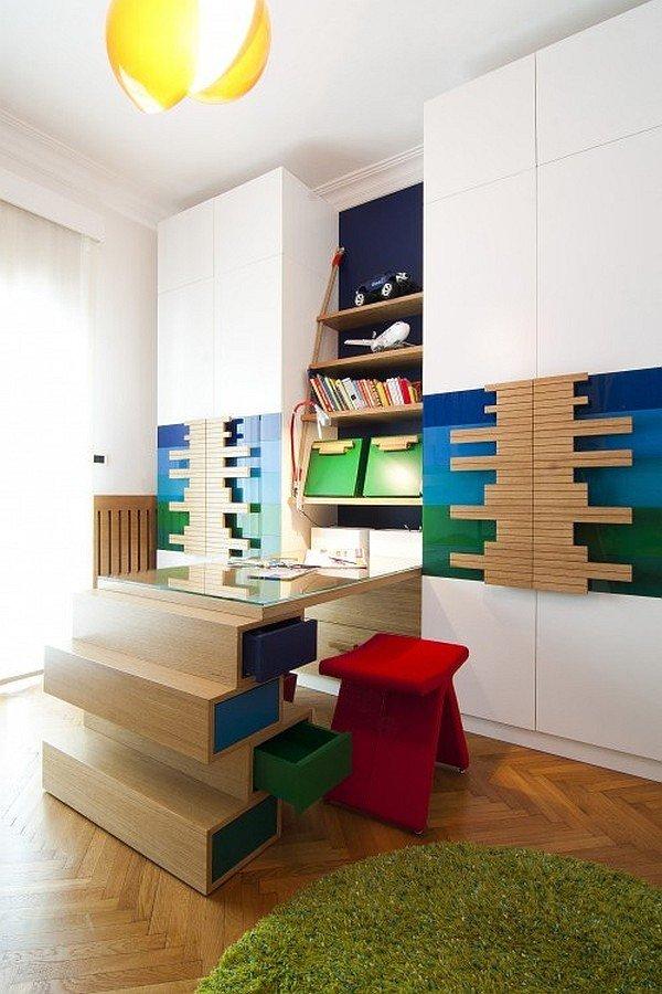 Фотография:  в стиле , Детская, Советы, Metro, домашний офис для ребенка, учебная зона в детской – фото на INMYROOM