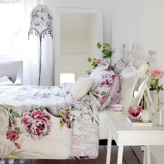 Фотография: Спальня в стиле Прованс и Кантри, Современный, Текстиль, Стиль жизни, Советы, Цветы – фото на INMYROOM