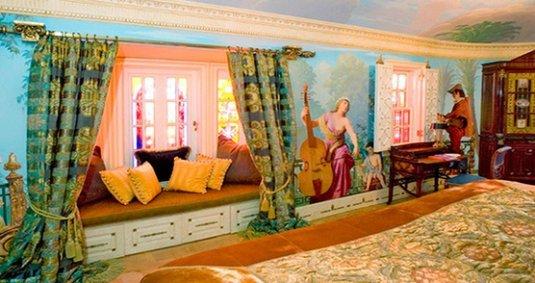 Фотография:  в стиле Классический, Дома и квартиры, Интерьеры звезд – фото на INMYROOM