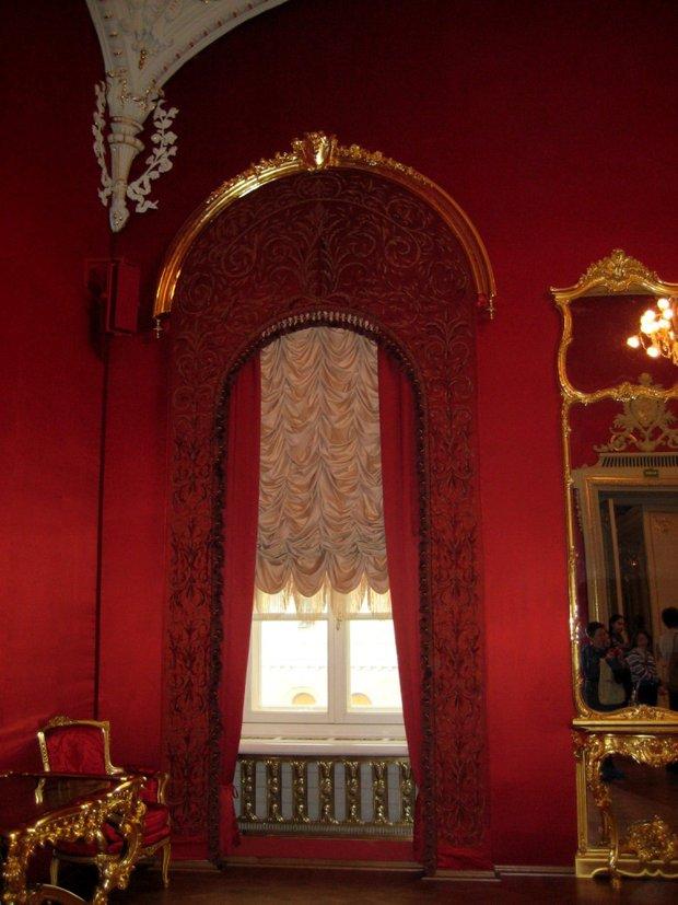 Фотография: Декор в стиле Классический, Декор интерьера, Дизайн интерьера, Цвет в интерьере, Красный, Dulux, Розовый – фото на INMYROOM
