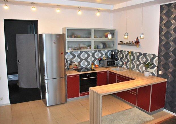 Фотография: Кухня и столовая в стиле Современный, Хай-тек, Малогабаритная квартира, Квартира, Дома и квартиры, Новосибирск – фото на INMYROOM