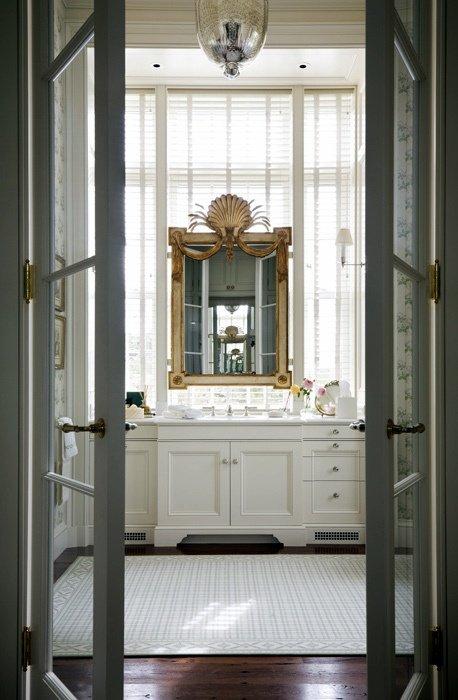 Фотография:  в стиле Классический, Декор интерьера, Мебель и свет – фото на INMYROOM