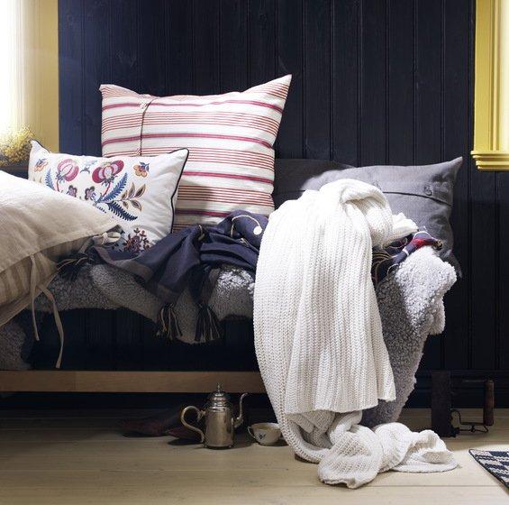 Фотография: Декор в стиле Прованс и Кантри, Декор интерьера, Мебель и свет, Декор дома, Цвет в интерьере, IKEA, Посуда – фото на InMyRoom.ru
