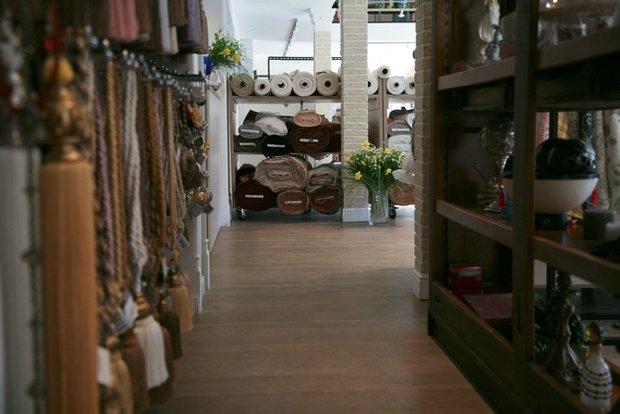 Фотография: Гостиная в стиле Классический, Современный, Текстиль, Индустрия, События, Ткани – фото на INMYROOM