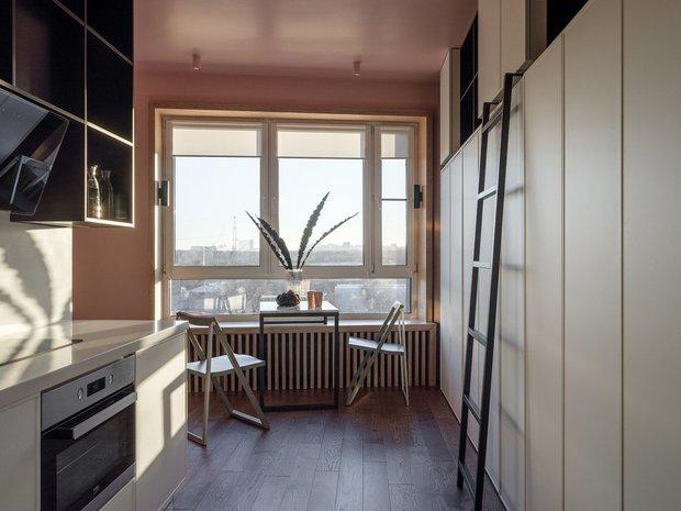 Фотография: Кухня и столовая в стиле Современный, Студия, Советы, напольное покрытие, дизайн квартиры студии, дизайн интерьера студии – фото на INMYROOM