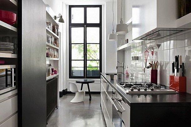 Фотография: Кухня и столовая в стиле Хай-тек, Малогабаритная квартира, Квартира, Дома и квартиры – фото на INMYROOM