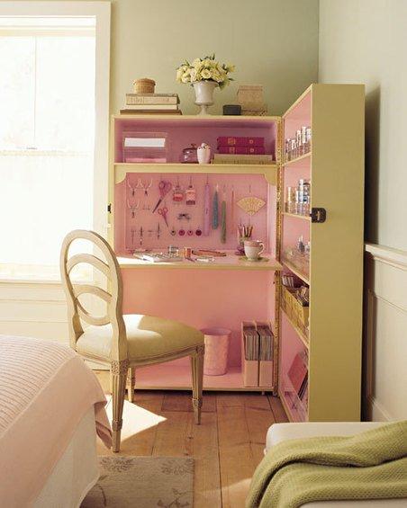 Фотография: Спальня в стиле Прованс и Кантри, Дом, Дома и квартиры, Стол – фото на INMYROOM