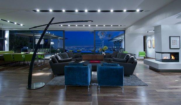 Фотография: Гостиная в стиле Современный, Дом, Дома и квартиры, Интерьеры звезд – фото на INMYROOM