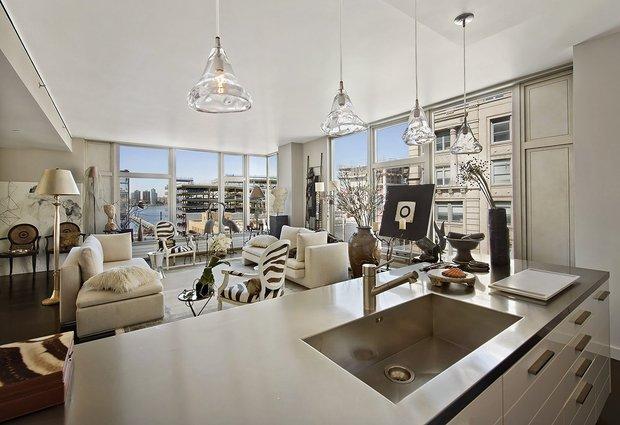 Фотография: Кухня и столовая в стиле Современный, Декор интерьера, Квартира, Дома и квартиры, Нью-Йорк – фото на InMyRoom.ru