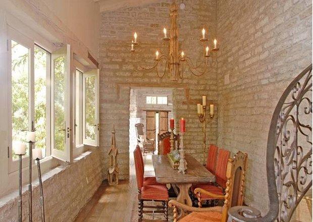 Фотография: Кухня и столовая в стиле Прованс и Кантри, Классический, Современный, Дом, Дома и квартиры, Интерьеры звезд – фото на INMYROOM