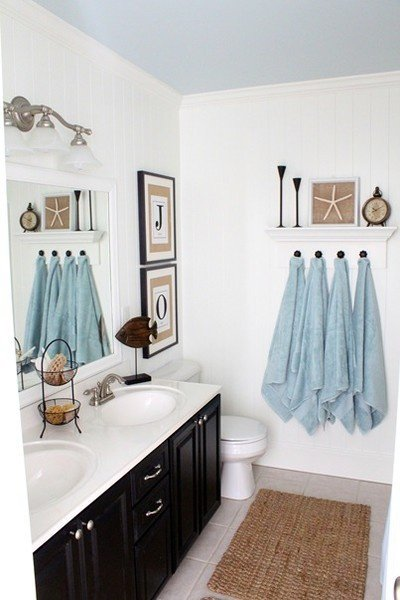 Фотография: Ванная в стиле Прованс и Кантри, Декор интерьера, Дизайн интерьера, Декор, Цвет в интерьере, Морской – фото на INMYROOM