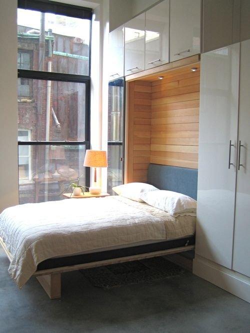 Фотография: Спальня в стиле Минимализм, Советы, Бежевый, Серый, Мебель-трансформер, кровать-трансформер, диван-кровать – фото на INMYROOM