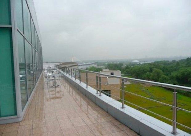 Фотография: Балкон, Терраса в стиле Современный, Офисное пространство, Индустрия, Люди – фото на INMYROOM