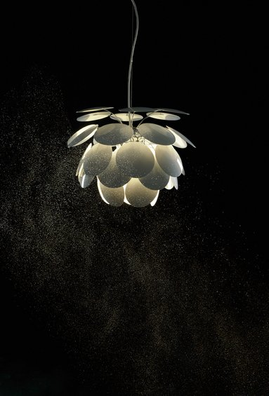 Фотография:  в стиле , Декор интерьера, Marset, Мебель и свет, Светильник – фото на InMyRoom.ru