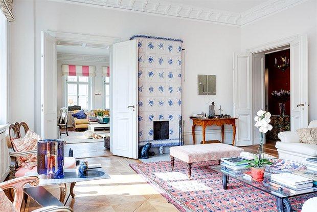 Фотография:  в стиле , Аксессуары, Декор, Советы, Инесса Терновая, как испльзовать майолику в интерьере, отделка мебели плиткой, наличники из плитки, отделка лестницы плиткой, майолика на кухне – фото на INMYROOM