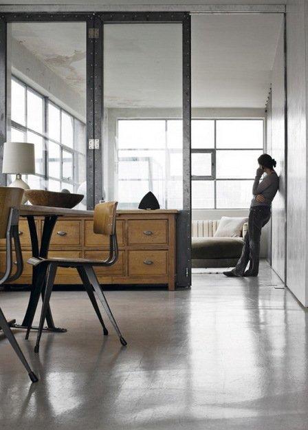 Фотография: Балкон в стиле Прованс и Кантри, Лофт, Дом, Цвет в интерьере, Дома и квартиры, Лондон, Серый, Индустриальный – фото на INMYROOM