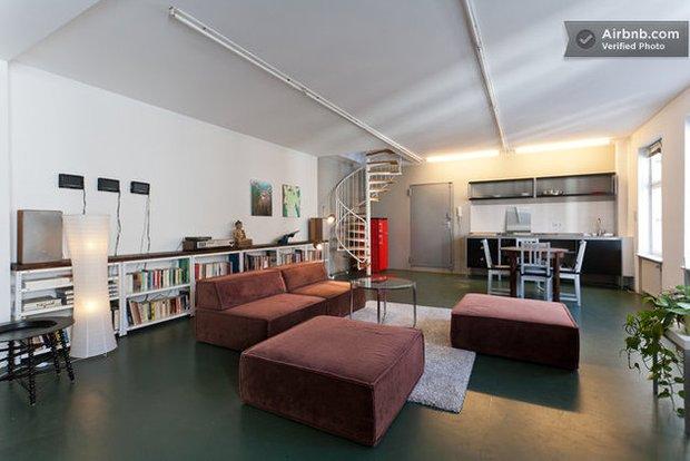 Фотография: Гостиная в стиле Прованс и Кантри, Декор интерьера, Квартира, Дома и квартиры, Airbnb – фото на INMYROOM