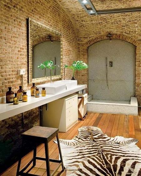 Фотография: Ванная в стиле Лофт, Эклектика, Декор интерьера, Дом, Антиквариат, Дома и квартиры, Стена, Мадрид – фото на INMYROOM