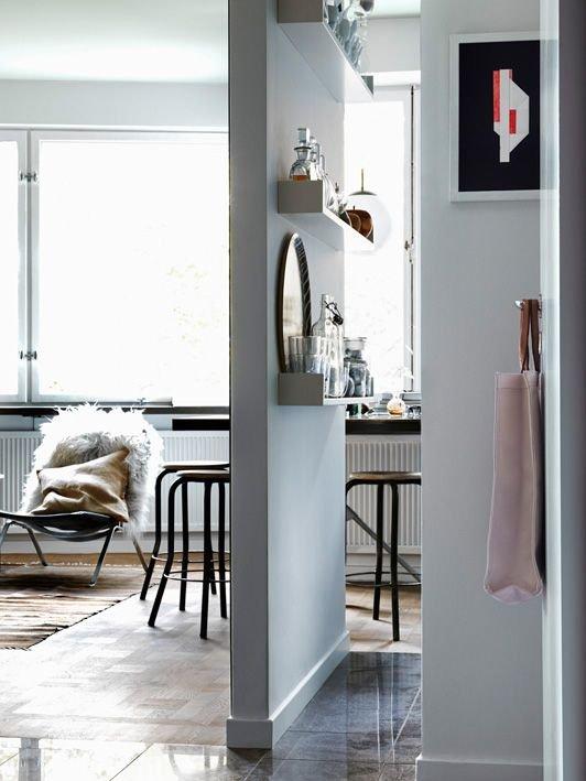 Фотография:  в стиле Скандинавский, Декор интерьера, Мебель и свет, Перегородки – фото на INMYROOM