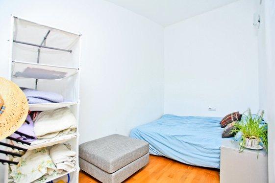 Фотография: Спальня в стиле Скандинавский, Современный, Квартира, Цвет в интерьере, Дома и квартиры, Белый, Барселона – фото на INMYROOM