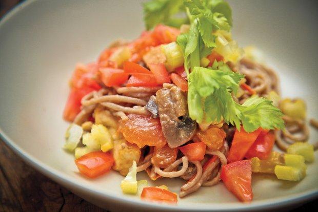 Фотография:  в стиле , Обед, Ужин, Основное блюдо, Тушение, Паста, Птица, Тайская кухня, Кулинарные рецепты, Варить, 30 минут – фото на INMYROOM