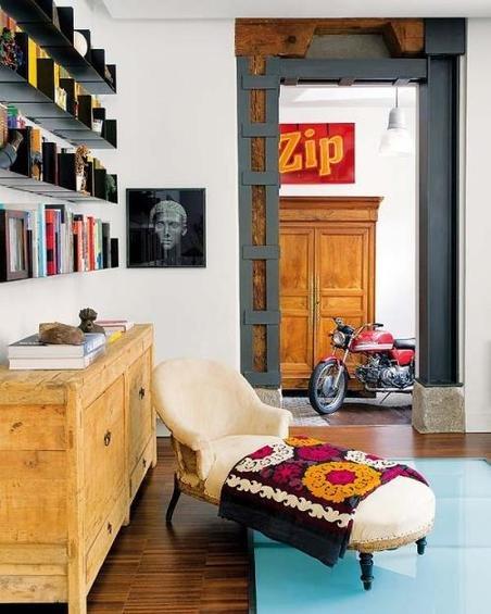 Фотография: Гостиная в стиле Эко, Эклектика, Декор интерьера, Дом, Антиквариат, Дома и квартиры, Стена, Мадрид – фото на INMYROOM