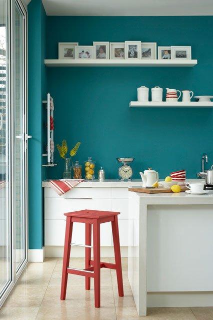 Фотография: Кухня и столовая в стиле Скандинавский, Декор интерьера, Дизайн интерьера, Цвет в интерьере, Краска – фото на INMYROOM