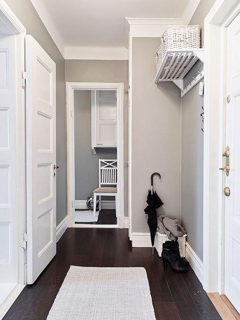 Фотография: Прихожая в стиле Скандинавский, Декор интерьера, Квартира, Дом, Цвет в интерьере, Дома и квартиры, Белый, Винтаж – фото на INMYROOM