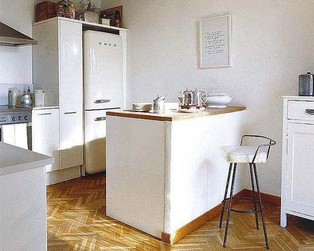 Фотография: Кухня и столовая в стиле , Малогабаритная квартира, Интерьер комнат, Советы – фото на InMyRoom.ru
