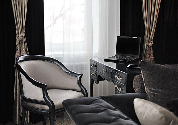 Фотография: Офис в стиле Современный, Эклектика, Классический, Квартира, Цвет в интерьере, Дома и квартиры, Белый, Ар-деко – фото на InMyRoom.ru