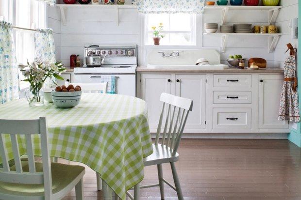 Фотография: Кухня и столовая в стиле Прованс и Кантри, Планировки, Советы – фото на INMYROOM