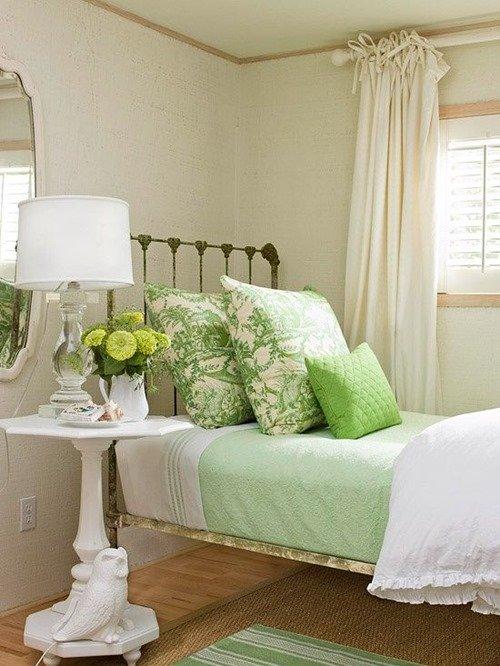 Фотография: Спальня в стиле Прованс и Кантри, Декор интерьера, Дом, Текстиль, Декор, Декор дома – фото на INMYROOM