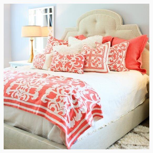 Фотография: Спальня в стиле Классический, Современный, Декор интерьера, Цвет в интерьере, Индустрия, Новости – фото на INMYROOM