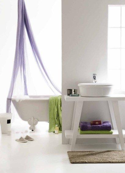Фотография: Ванная в стиле Минимализм, Лофт, Индустрия, Люди, Греция – фото на InMyRoom.ru