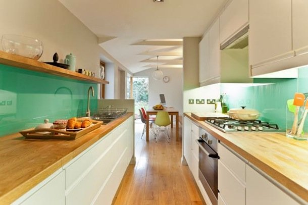 Фотография: Кухня и столовая в стиле Современный, Эко, Малогабаритная квартира, Квартира, Мебель и свет, дизайн маленькой кухни, как обустроить маленькую кухню, идеи для маленькой кухни, kuhnya-8-kv-metrov – фото на INMYROOM