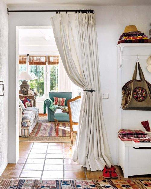 Фотография: Прихожая в стиле Прованс и Кантри, Эклектика, Дом, Франция, Дома и квартиры, Деревенский, Марокканский – фото на INMYROOM