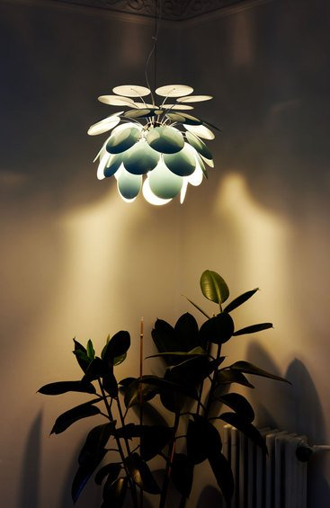 Фотография: Гостиная в стиле Классический, Декор интерьера, Marset, Мебель и свет, Светильник – фото на InMyRoom.ru