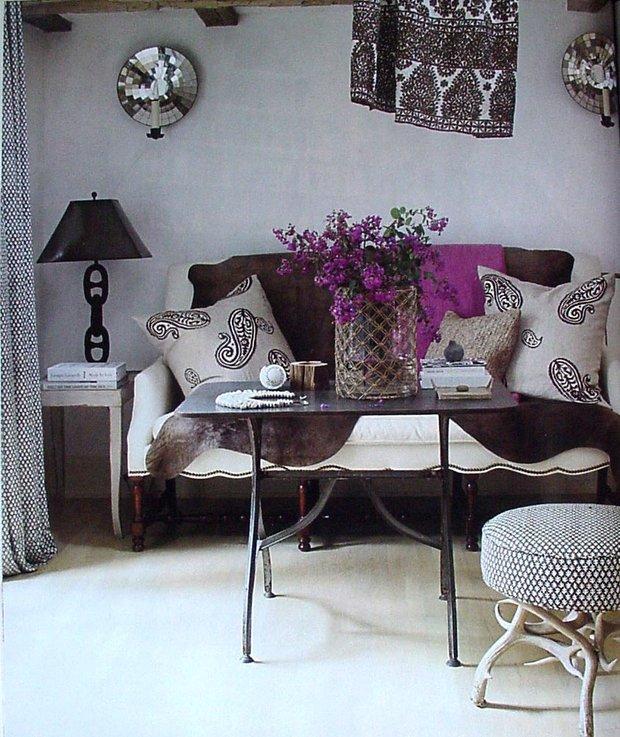 Фотография: Гостиная в стиле Современный, Эклектика, Декор интерьера, Декор дома, Ковер – фото на INMYROOM