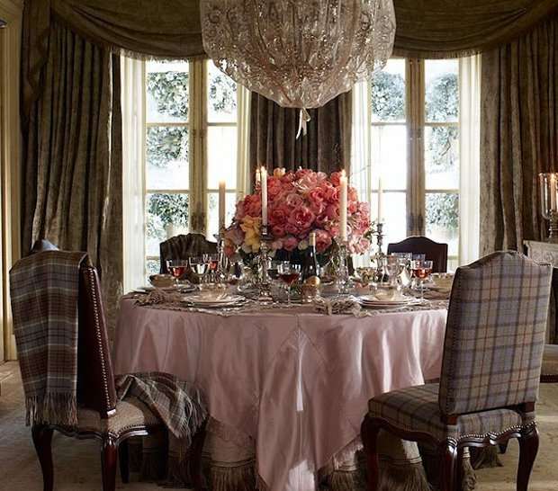 Фотография: Кухня и столовая в стиле Классический, Современный, Декор интерьера, Декор дома, Подушки, Плед – фото на InMyRoom.ru