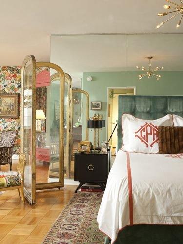 Фотография: Спальня в стиле Прованс и Кантри, Малогабаритная квартира, Стиль жизни, Советы, Окна, Ширма, Перегородки – фото на INMYROOM