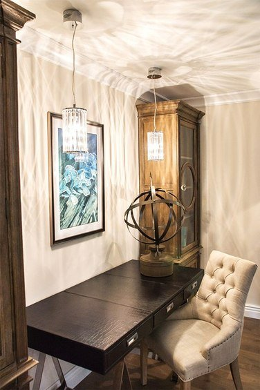 Фотография: Кабинет в стиле Прованс и Кантри, Гостиная, Декор интерьера, Интерьер комнат – фото на InMyRoom.ru