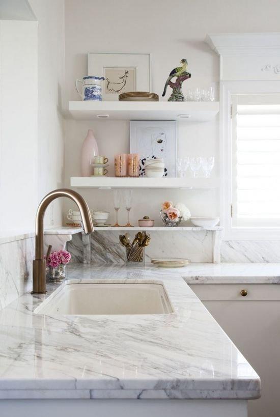 Фотография: Прочее в стиле , Кухня и столовая, Интерьер комнат, Полки – фото на INMYROOM
