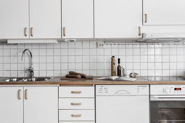 Фотография:  в стиле , Кухня и столовая, Гостиная, Декор интерьера, Дом, Швеция, Стокгольм, как создать уютную атмосферу, 4 и больше, Более 90 метров, гостеприимный интерьер – фото на INMYROOM