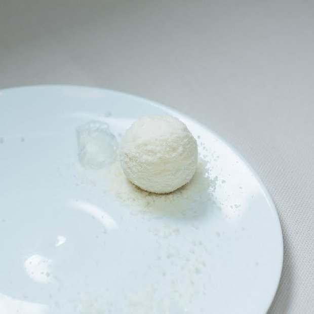 Конкурсное блюдо Станислава: лосось слабосоленый, водка, клюква, хрен