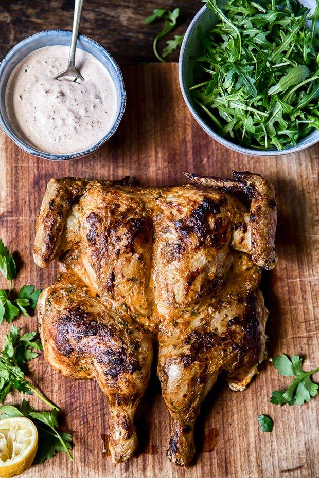 Фотография:  в стиле , Ужин, Основное блюдо, Здоровое питание, Птица, Кулинарные рецепты, 1 час, Европейская кухня, Просто, Курица, Запекание – фото на INMYROOM