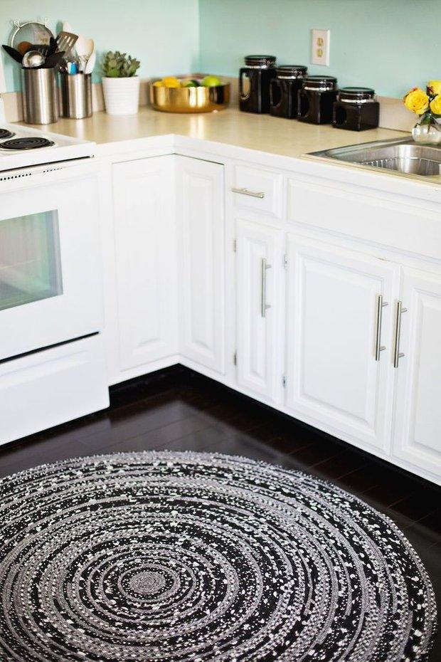 Фотография: Кухня и столовая в стиле Современный, Декор интерьера, Квартира, Аксессуары, Декор, Мебель и свет, Советы, Белый, Бежевый, Серый – фото на INMYROOM