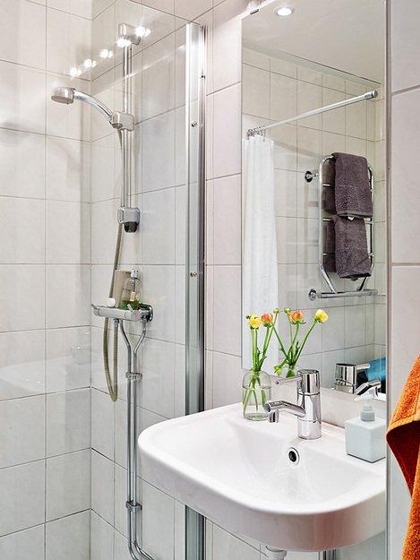 Фотография: Ванная в стиле Скандинавский, Декор интерьера, Квартира, Цвет в интерьере, Дома и квартиры, Стены, Пол – фото на INMYROOM