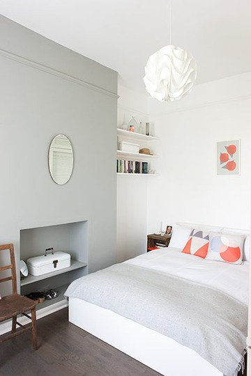 Фотография: Спальня в стиле Скандинавский, Кухня и столовая, Малогабаритная квартира, Квартира, Цвет в интерьере, Дома и квартиры, Белый, Серый – фото на INMYROOM